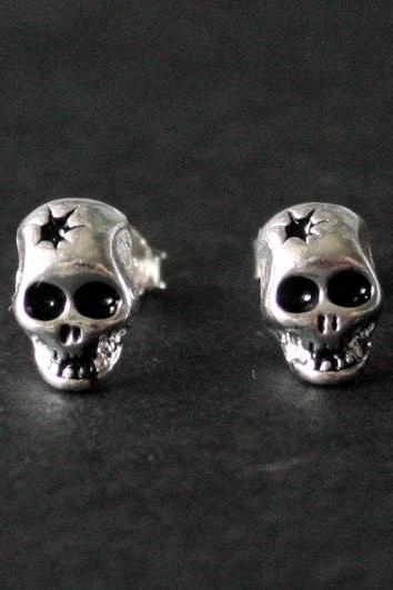 Skull Head Earring In Silver